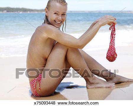 femme en bikini ou sans