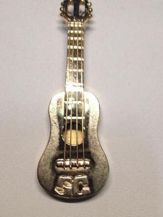 guitare en or