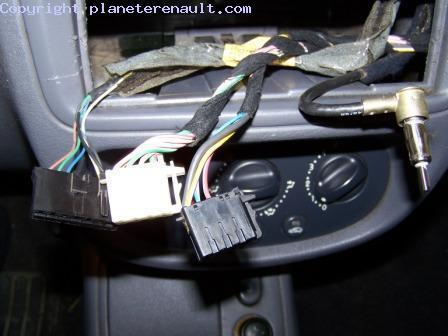 adaptateur autoradio clio 2