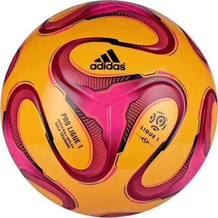 ballon de foot salle