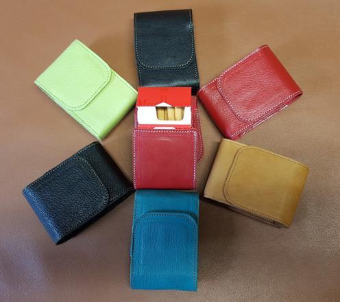 cache paquet cigarette cuir