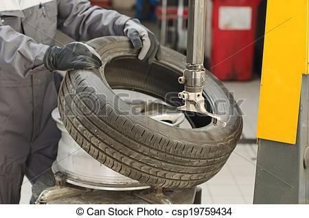 changer pneu voiture