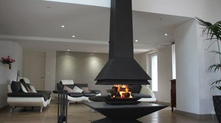 cheminée moderne suspendue