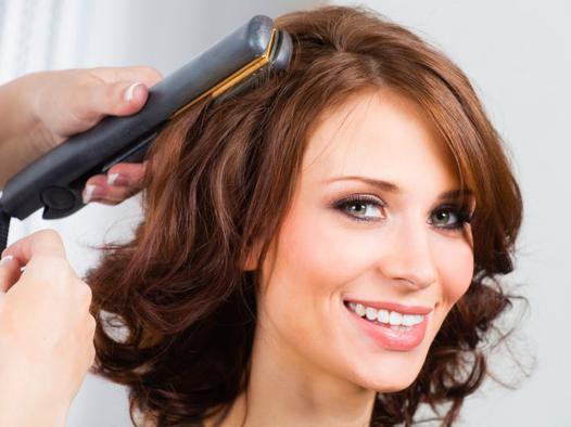coiffure avec fer à lisser