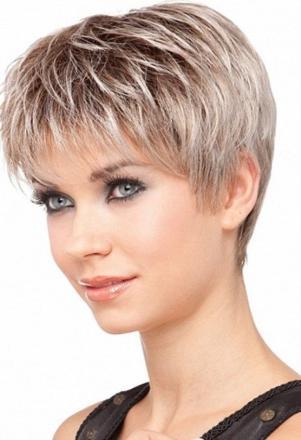 coupe de cheveux cheveux courts femme