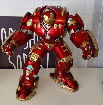 figurine hulkbuster