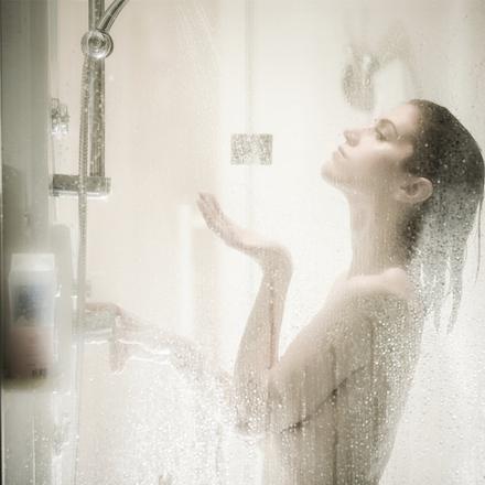 les femmes sous la douche