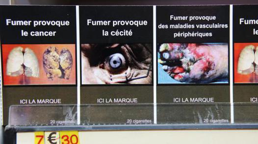 les paquets de cigarettes