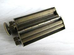machine à rouler les cigarettes ancienne