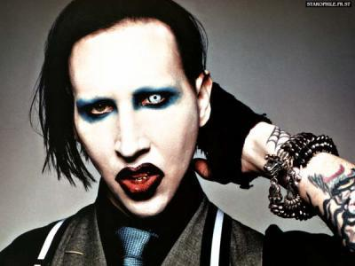 maquillage gothique homme