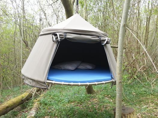 tentes suspendues